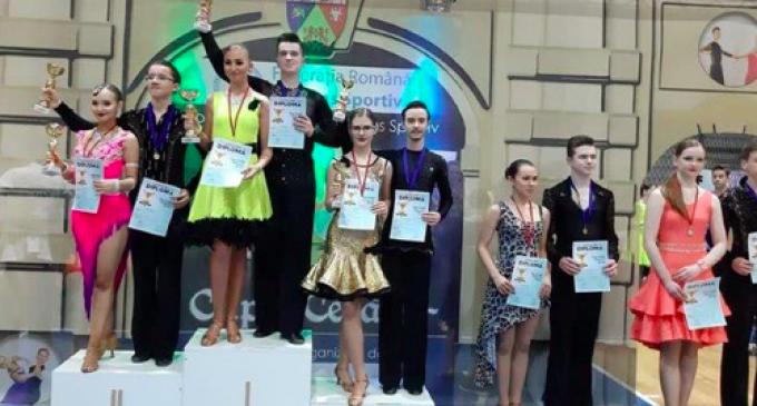 8 medalii pentru dansatorii turdeni la Cupa Cetății, Alba Iulia