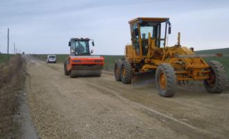 Au început lucrările pe drumul judeţean 103M Vâlcele – Rediu – Aiton
