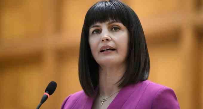 Cristina Burciu: Prevenirea și combaterea agresiunilor violenței cibernetice, legiferată de Parlament