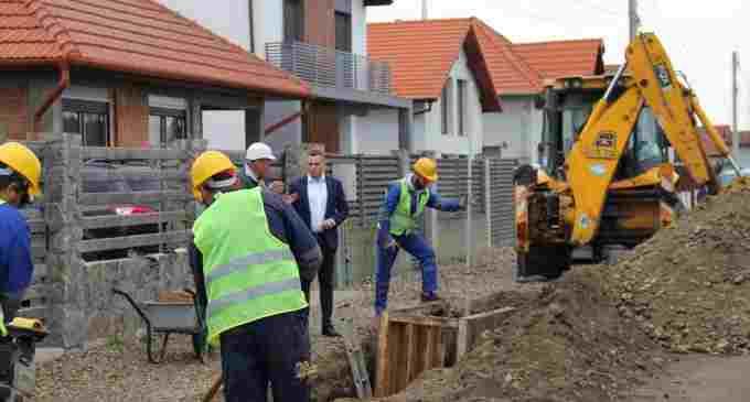 """Lucrările de infrastructură din cadrul """"Proiectului regional de dezvoltare a infrastructurii de apă și apă uzată în regiunea Turda – Câmpia Turzii"""", implementat de Compania de Apă Arieș, au fost demarate și la Câmpia Turzii"""