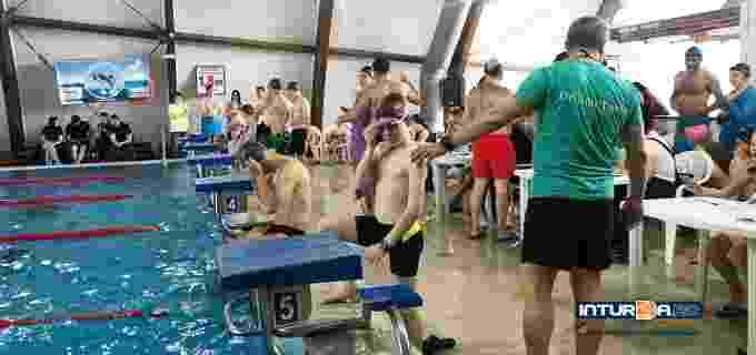 """VIDEO: Maratonul de înot """"Turda înoată pentru Sorin Andrei"""""""
