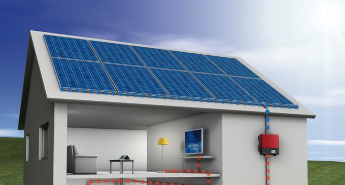 Începând de miercuri, românii vor putea cere 25.000 lei de la stat pentru a-și lua panouri solare electrice