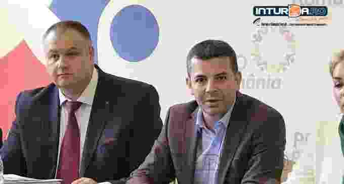 VIDEO: Conferință de presă PRO ROMÂNIA la Turda, cu Daniel Constantin și Aurelia Cristea