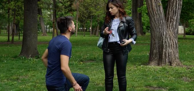 VIDEO: Mircea Bravo, cerere în căsătorie cu Alexandra Dușa, actriță la Teatrul din Turda :)