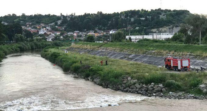 Bărbatul care s-a aruncat de pe un pod din Turda a fost găsit