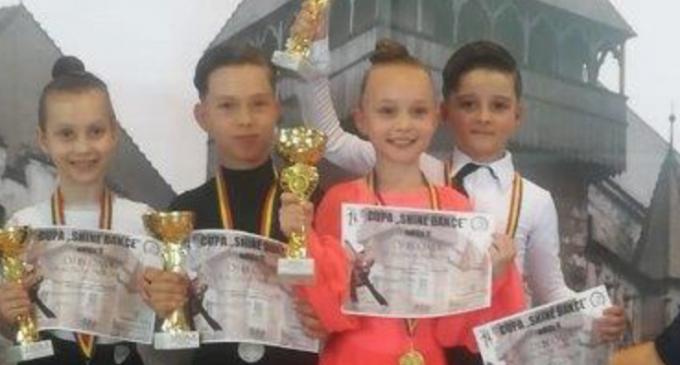 Rezultate bune pentru dansatorii turdeni la ultimul concurs din acest sezon competițional