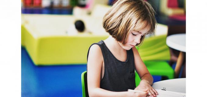 """BOR se opune obligativității educației sexuale în școli: """"Un atentat asupra inocenţei copiilor"""""""