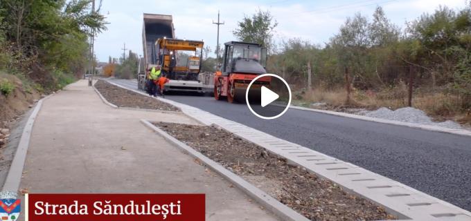 A început asfaltarea străzilor Săndulești, Stadionului și Prunului!