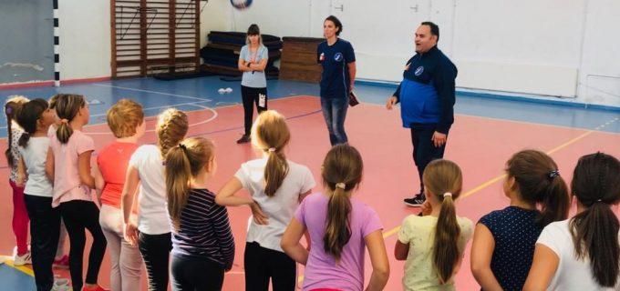 """AHC Potaissa Turda a fost în """"turneu"""" prin școlile din Turda. Vezi în ce dată se va organiza selecția"""