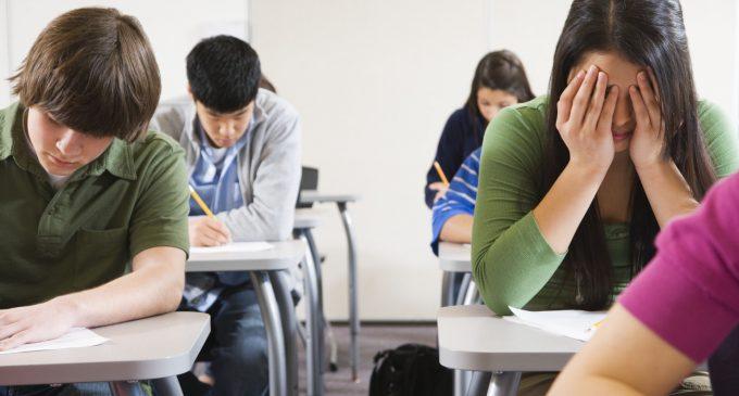 Anul școlar 2020-2021: Elevii cu o medie de admitere sub 5 nu mai sunt primiți la liceu