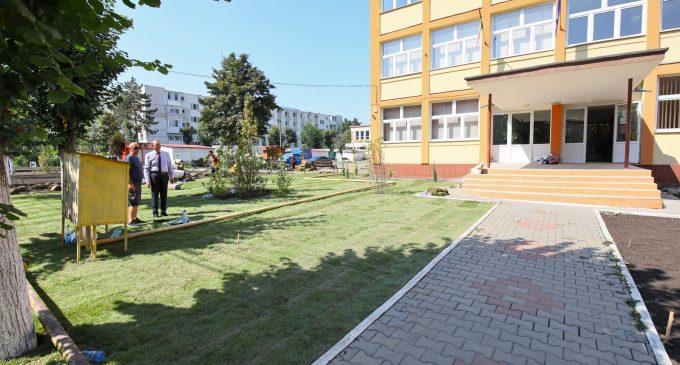 """Proiectului #43 Turda Decide """"Verde pentru educație la Școala Horea, Cloșca și Crișan"""", aproape de finalizare"""