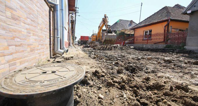 Pe strada Vasile Goldiș demarează lucrările de reabilitare și modernizare completă a infrastructurii rutiere și pietonale