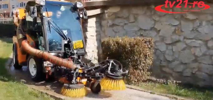 VIDEO. O nouă mașină de măturat stradal la Câmpia Turzii?