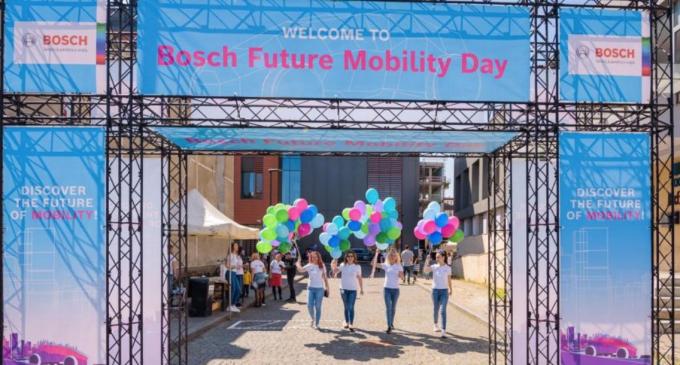 Bosch dezvoltă programe educaționale dedicate studenților și elevilor pasionați de tehnologie