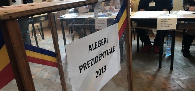 EXIT-POLL ora 21.00: Klaus Iohannis, victorie zdrobitoare în turul II al alegerilor prezidenţiale
