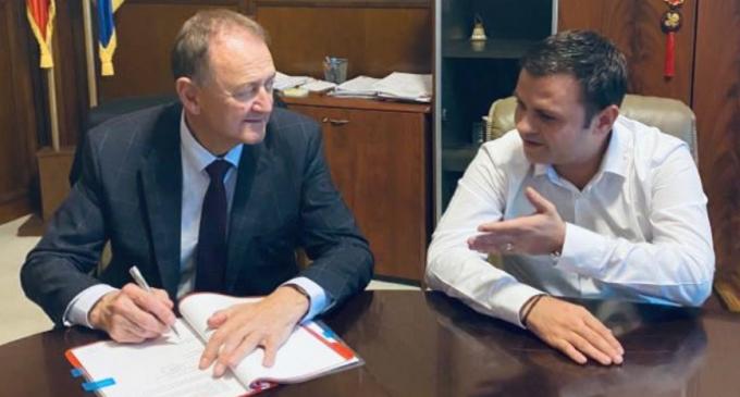 Matei Cristian: Astăzi am semnat la București, la Ministerul Dezvoltării, al 13-lea contract de finanțare europeană