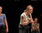 """Un spectacol despre mame pe care ar trebui să-l vadă toți bărbații în turneu la Teatrul """"Aureliu Manea"""" Turda"""