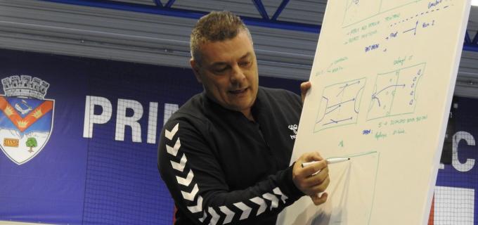 "La Turda s-a desfășurat prima ediție a conferinței naționale ""Potaissa Handball Conference"". Xavier Pascual Fuertes și Roger Font Ribas de la FC Barcelona au fost invitații speciali"