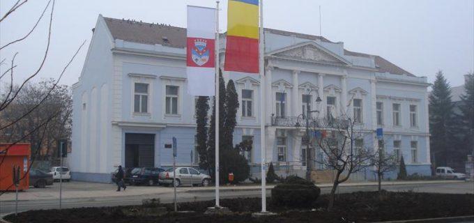 Banca Comercială Română (BCR) își vinde sediul din centrul Turzii. Vezi care este prețul