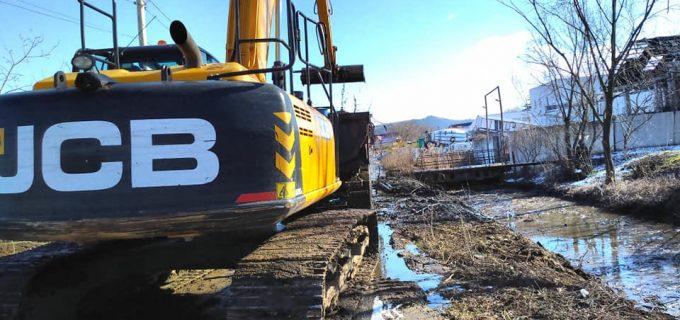 Dorin Lojigan: Lucrările de curățare a pârâului Racoșa continuă și în acest an