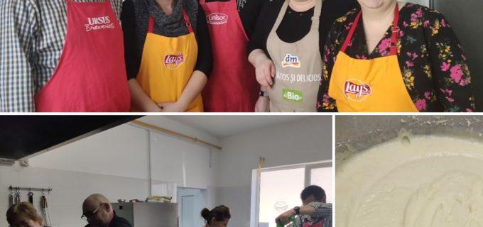 """Angajați ai companiei Arhivatorul, voluntari în cadrul programului """"O masă caldă!"""""""