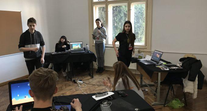 Weekendul trecut a avut loc TechUp, un hackaton de 30 de ore organizat de Grupul Da Vinci Turda, la Centrul CIVIC