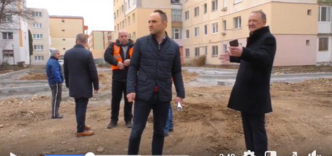VIDEO: Primarul Cristian Matei a verificat din nou stadiul lucrărilor în șantierele din oraș