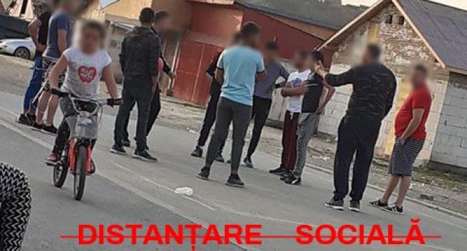 Nerespectarea restricțiilor de circulație a adus amenzi de peste 100.000 lei în comunitățile rome din Turda!