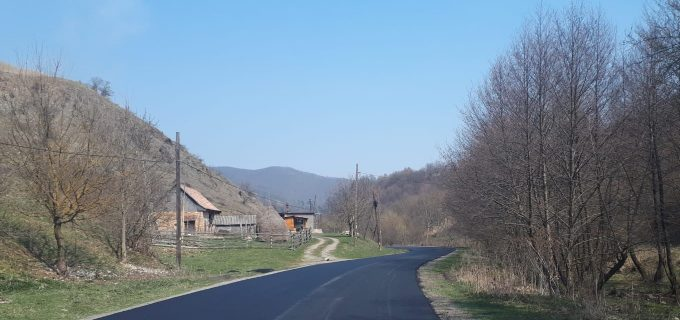 Consiliul Județean Cluj a finalizat asfaltarea tronsonului Buru (DN 75) – limită cu județul Alba