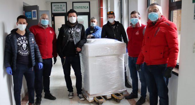 Asociația Beard Brothers uimește din nou! Au donat un aparat de testare COVID19 și 2000 kit-uri de testare către Spitalul de Boli Infecțioase