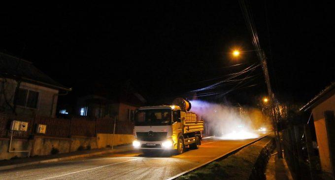 VIDEO: acțiunile de dezinfecție a drumurilor publice continuă în Turda