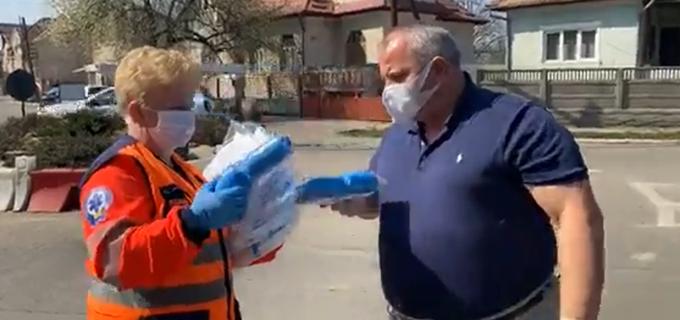 Avram Gal a donat materiale sanitare pentru Serviciul de Ambulanță Câmpia Turzii