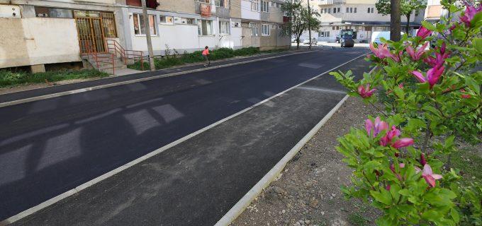 FOTO/VIDEO: au fost finalizate lucrările de modernizare pe strada Macilor 2-4!