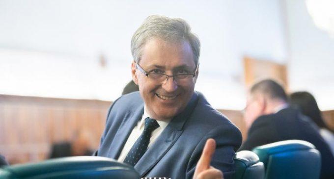 """Marcel Vela anunță o nouă Ordonanță Militară. Au fost stabilite măsuri pentru a permite credincioşilor """"să se bucure"""" de sărbătoarea de Paşte"""