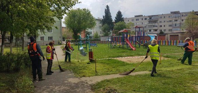 Dorin Lojigan: Amenajarea spațiilor verzi continuă zi de zi în Câmpia Turzii