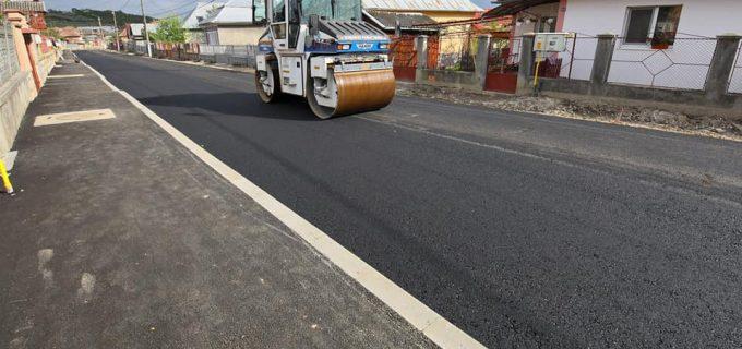 FOTO: Primăria Turda a început asfaltarea străzii Salinelor