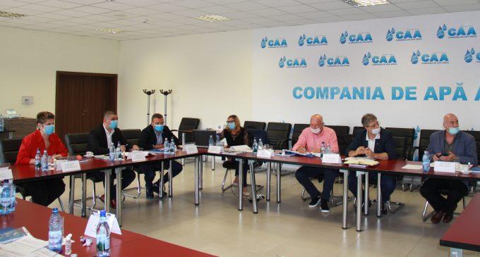 Ședintă de lucru la Compania de Apă Arieș privind proiectul de investitii cu finantare europeană în infrastructura de apă și apă uzată cu participarea Secretarului de Stat din cadrul Ministerului Fondurilor Europene