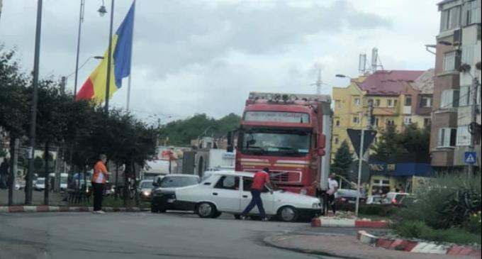 Accident în sensul giratoriu de pe strada Libertătii, Turda