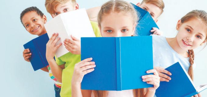România: de 4 ori mai multi părinti care nu le citesc copiilor decât media în UE. Cărti cu povești accesate gratuit online.