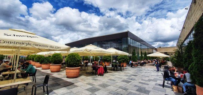 Iulius Mall Cluj a deschis terasa foodcourt cu 250 de locuri (P)