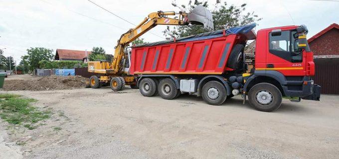 PrimarulCristian Matei: Continuăm modernizarea străzilor în cartierul Poiana