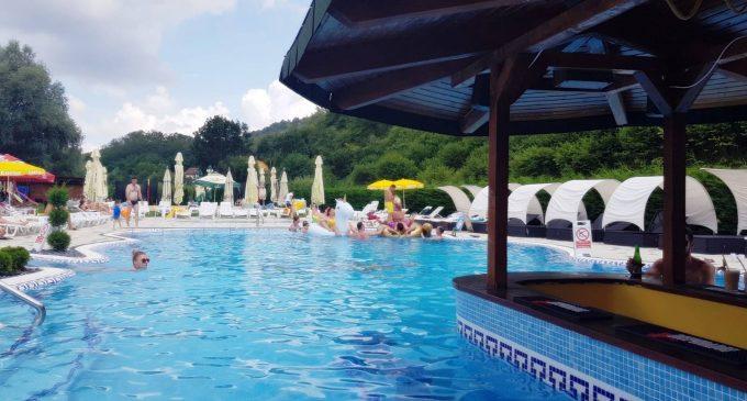 Luni, 15 iunie, se deschide piscina Sun Tropez Sălicea!