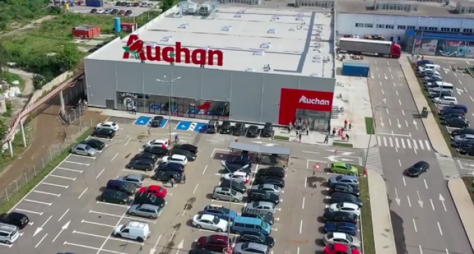 FOTO/VIDEO: Magazinul Auchan și-a deschis astăzi porțile la Turda!