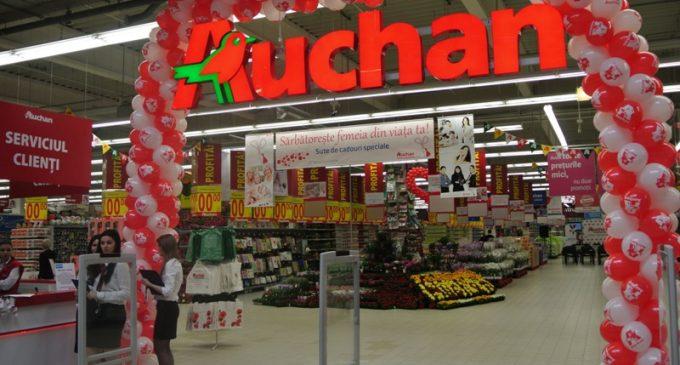 Știrea cititorului: Produse murdare pe rafturile Auchan Turda (Foto)