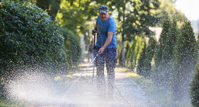Lucrări de întretinere, reparatii și reamenajare a spatiilor verzi în Parcul din Turda Nouă