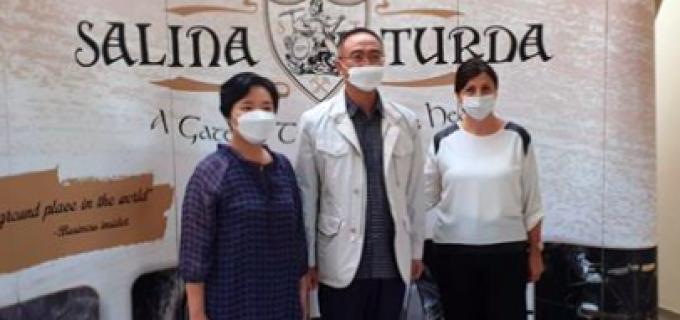 Ambasadorul Coreei de Sud în România, în vizită la Salina Turda