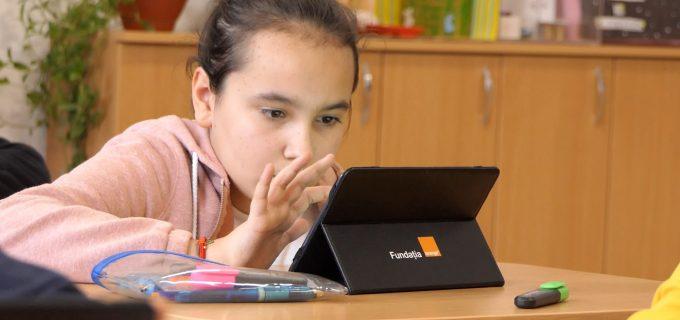 244 de elevi de la Școlile Gimnaziale Luna, Luna de Sus  și Băișoara continuă învățarea cu Digitaliada