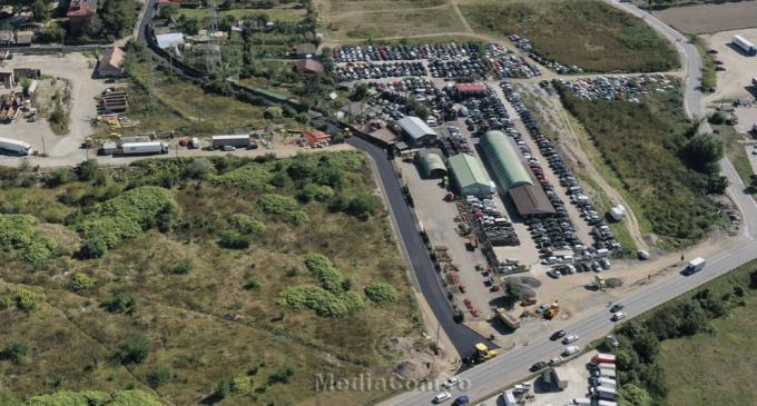 Foto/VIDEO: S-a așternut primul strat de asfalt pe o porțiune importantă a străzii Nicolae Teclu din cartierul Industrial