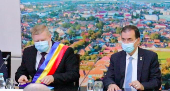 Vezi ce spune premierul Ludovic Orban despre primarul Câmpiei Turzii, Dorin Lojigan