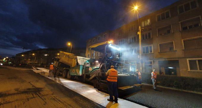 Foto: Lucrările de modernizare a străzii Libertății sunt în plină desfășurare